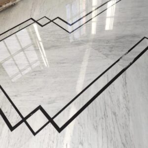Carrara Marble Floor with Nero Marquina Details - foto1